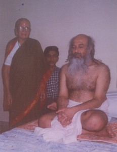Baba with His mother and nephew, 5 Oct 1998