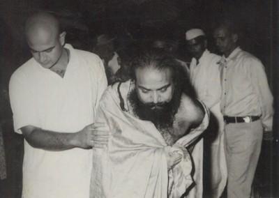 escorting_swamiji
